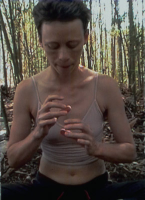 Deborah Edmeades, video still from Object 1, 2003