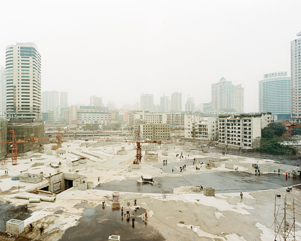 "Sze Tsung Leong, Jialing Gongyuam, Jiangbei District, Chongqing, 2003, from the series History Images, c-print, 40 x 48"", courtesy of the Yossi Milo Gallery, New York."