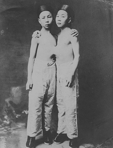 "(Attributed to) Edena Co., ""Liou Seng-Sen and Liou Tang-Sen"", 1903, gelatin silver print, 10x8"". Courtesy of Ariel Shanberg, Woodstock, NY."