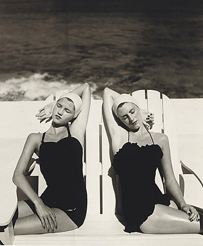 """Louise Dahl-Wolfe, """"Twins at the Beach"""", 1949, printed in 1984, gelatin silver print, 11x14"""". Courtesy of Staley-Wise Gallery, NYC."""