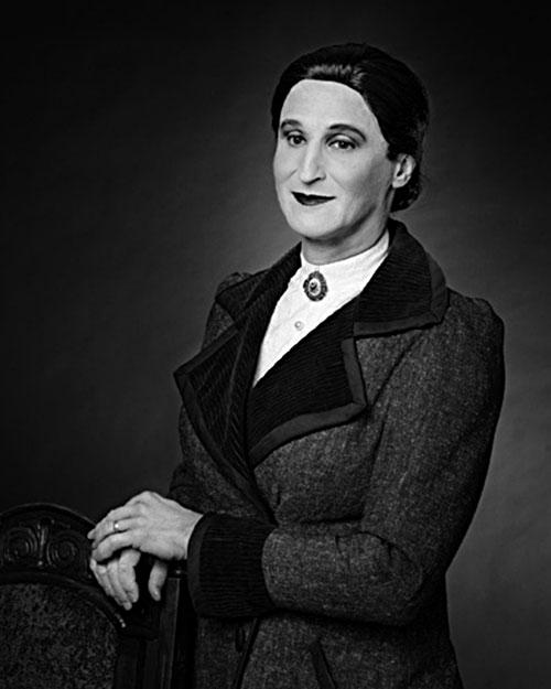 Rafael Goldchain, Self Portrait as Doña Balbina Baumfield Szpiegel de Rubinstein; b. Ostrowiec, Poland / d. Santiago de Chile, 1964, 1999, C-print.